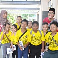 Malay pupils taking part in amazing race