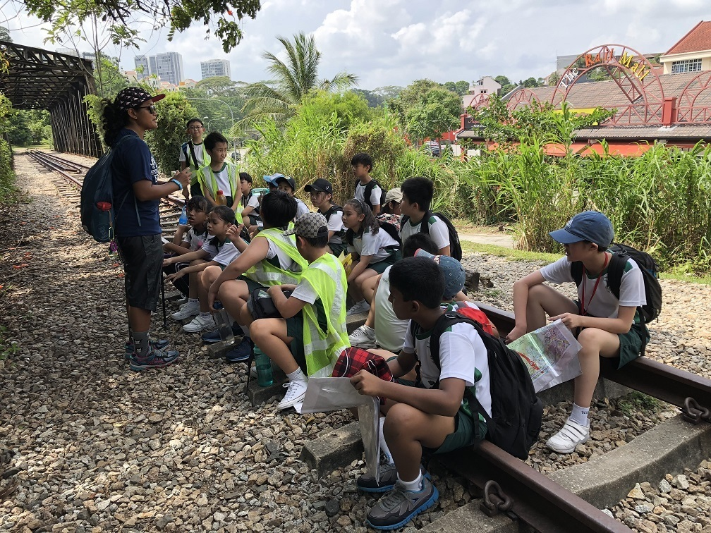 Exposing the students to the biodiversity and greenery at the Rail Corridor en-route to Hindhede Quarry.