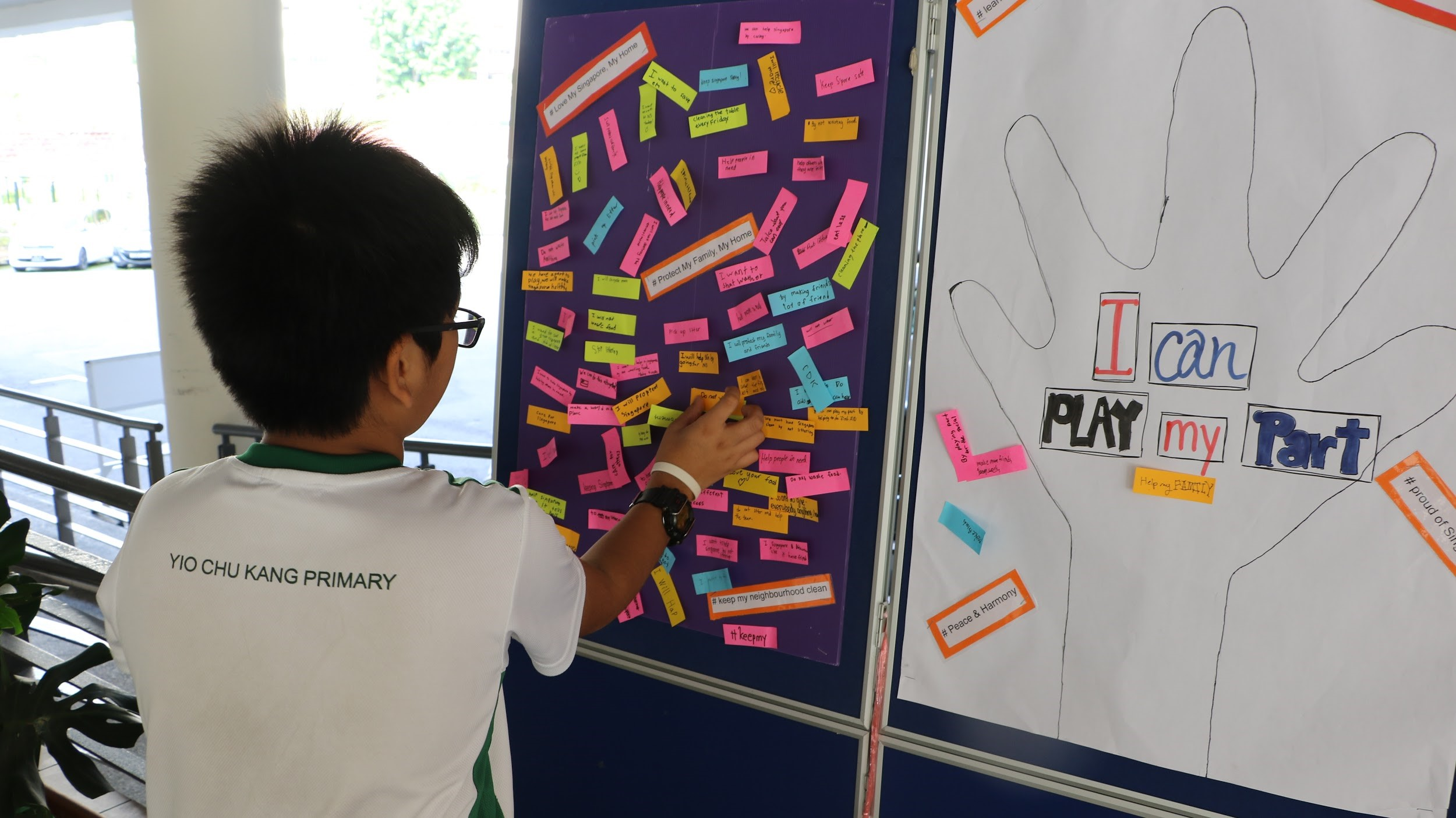 TDD 2018- students pledging to play their part in Total Defence